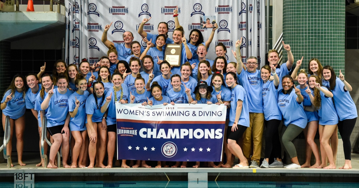 Women's swim team champions